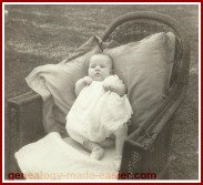 1940 baby in big chair